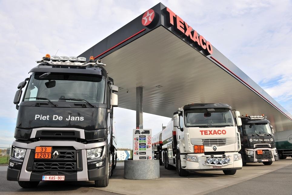 twee renault trucks t 520 voor brandstoffen dejap transporama. Black Bedroom Furniture Sets. Home Design Ideas
